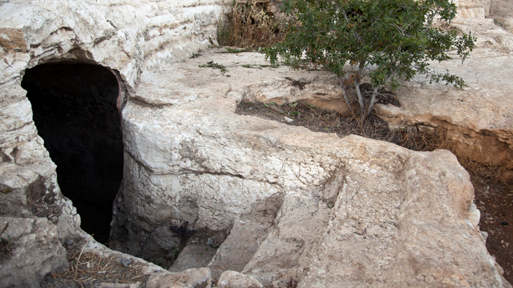 """""""The Tombs Also Were Opened..."""" Matthew 27 in its Jewish Context"""